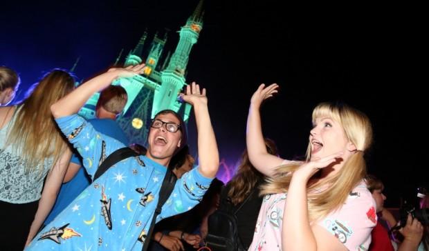 24-hour all-nighter magic kingdom disney side