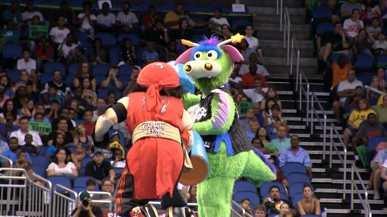 Mascots joust, dance their way to the top at 25th Mascot ...
