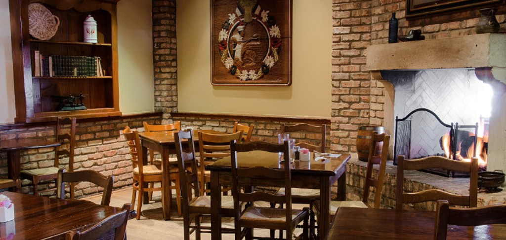 La Madeleine Country French Cafe Galleria