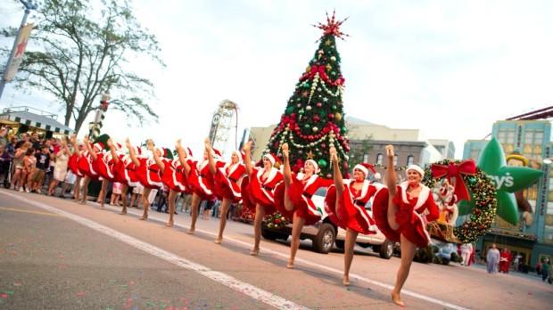 Macy's Holiday Parade Universal Orlando