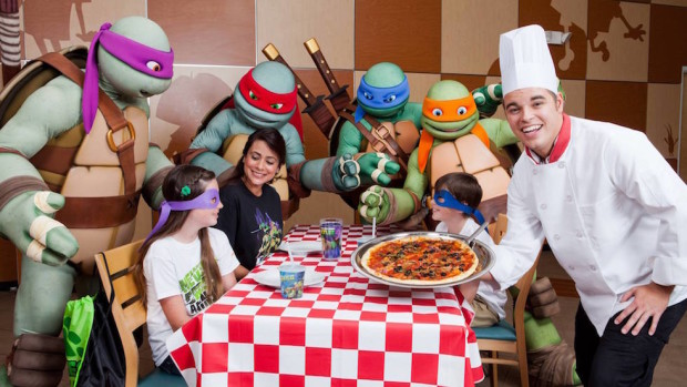 nickelodeon hotel dinner pizza teenage mutant ninja turtles