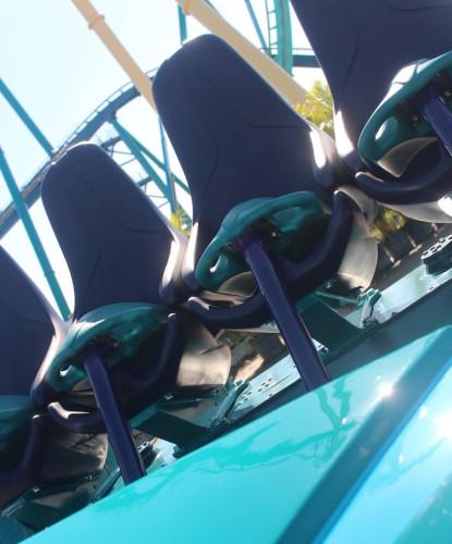 Mako roller coaster car - 4
