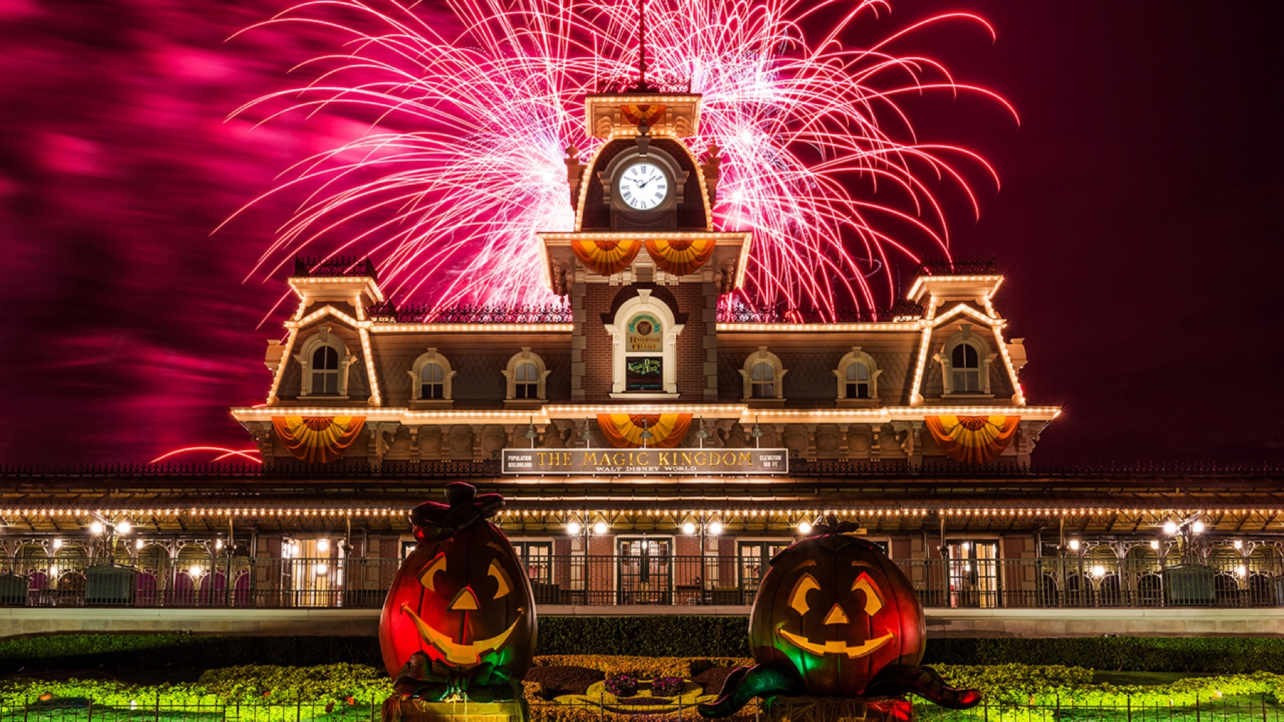 2016 Mickey's Not So Scary Halloween Party dates costume policy