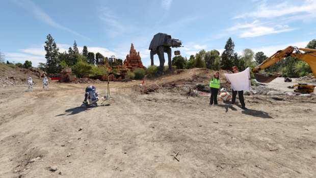 star wars land construction disneyland