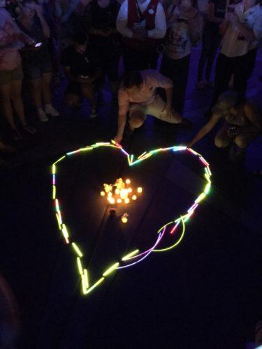 MK glow stick heart