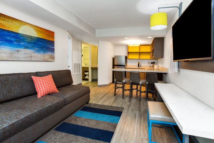 HIR Orlando Suites - Waterpark_Living Area