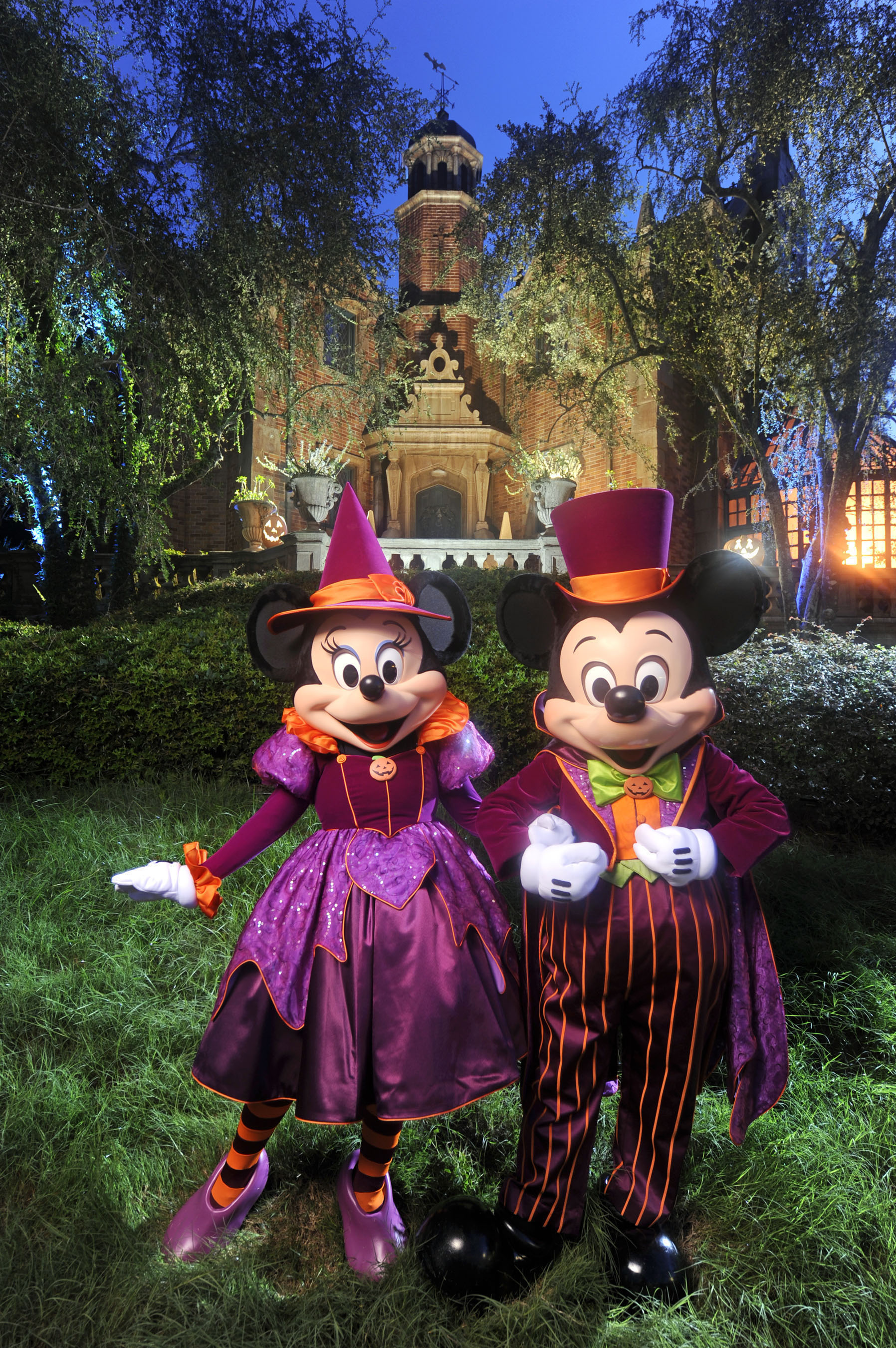 mickey and minnie decked out for mickeys not so scary halloween party