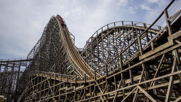 mean streak wooden roller coaster cedar point