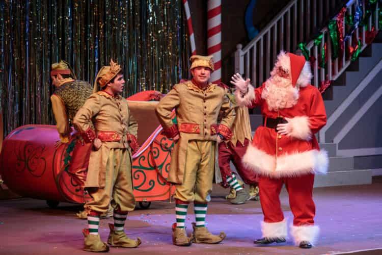 snoopys-merriest-tree-lighting-santa-and-elves