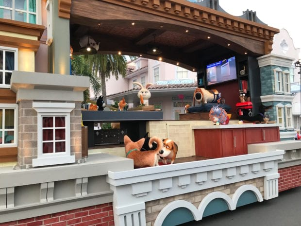 secret life of pets universal superstar parade float