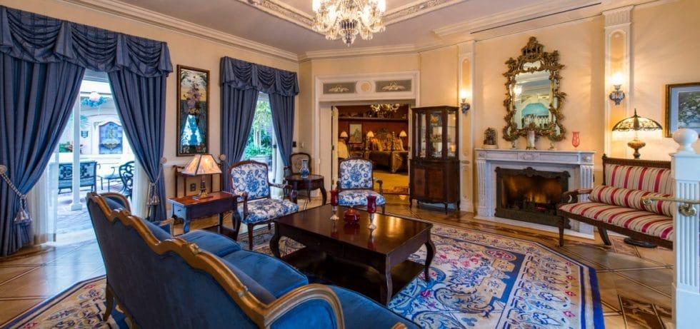 21 royal interior