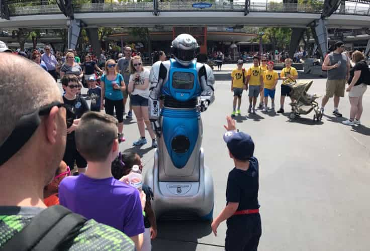 iCan robot disney tomorrowland