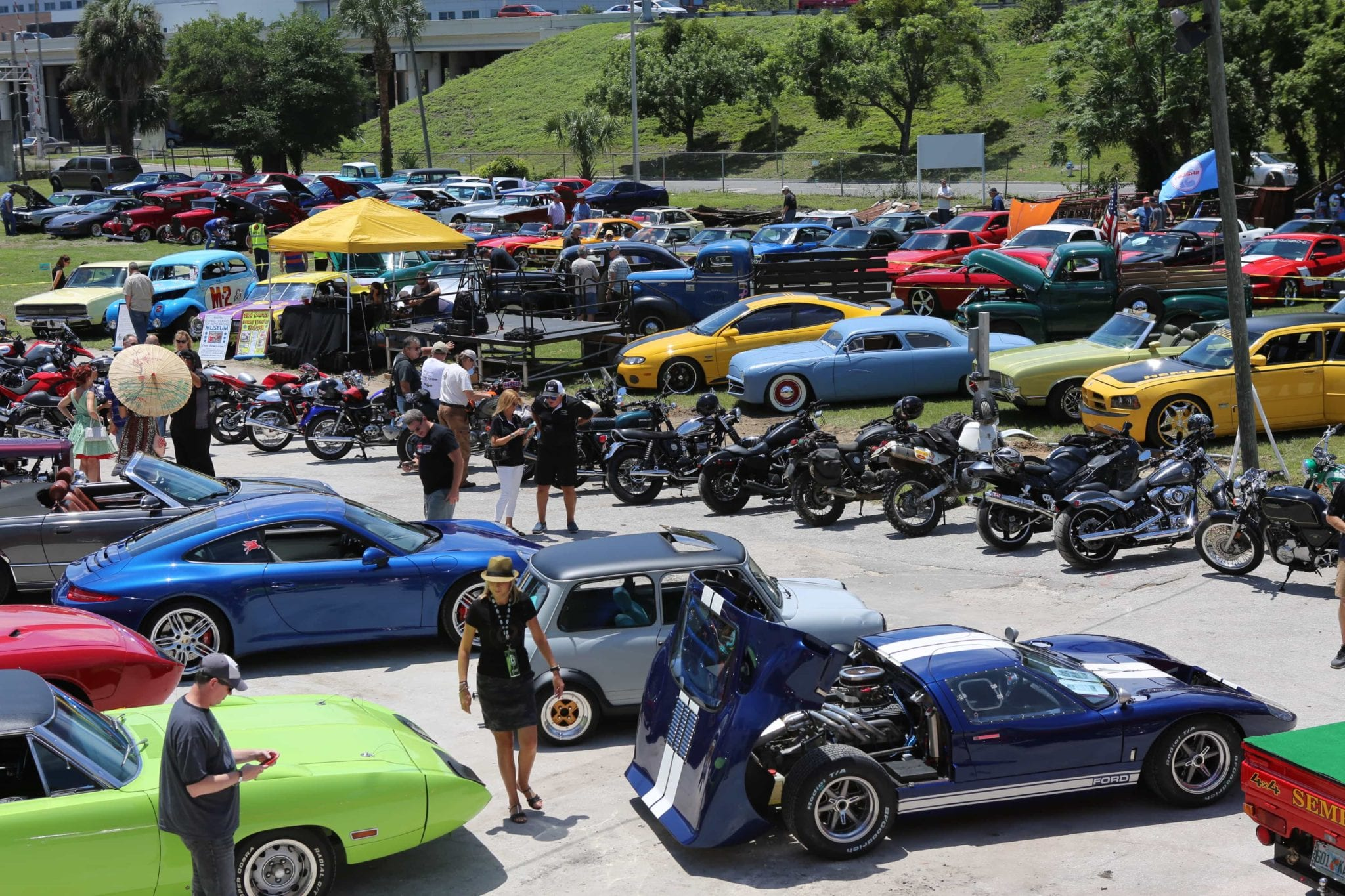 Ace Cafe Orlando Opens On May With Free Rock N Roll Concerts - Ace cafe orlando car show