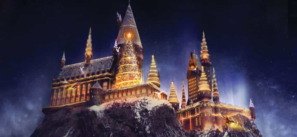 Universal Studios Hollywood Christmas in The Wizarding World of Harry Potter