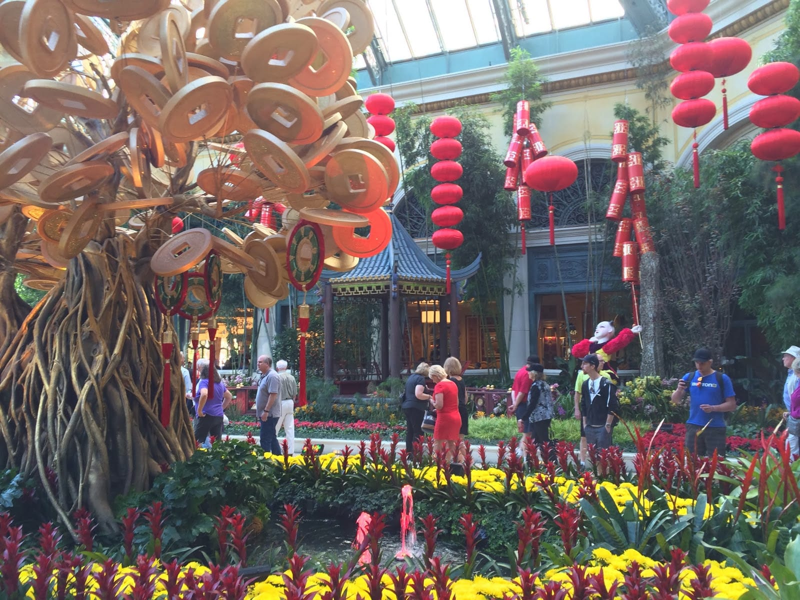 Las vegas welcomes the year of the dog with lunar new year celebrations participating resorts include the cromwell flamingo las vegas harrahs las vegas the linq hotel casino planet hollywood resort casino izmirmasajfo