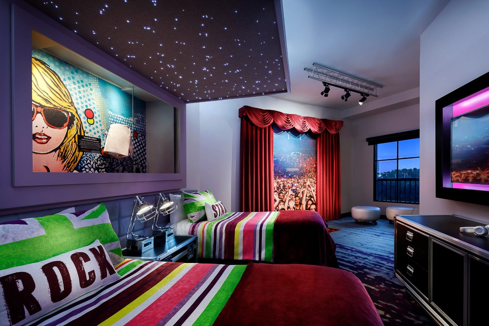 Universal Orlando 39 S Hard Rock Hotel Debuts New Future Rock Star Suites