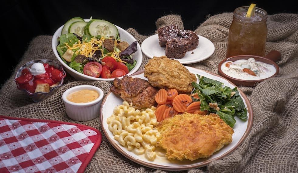 Wondrous Dollywoods Aunt Grannys Restaurant Gets New Look New Menu Home Interior And Landscaping Ymoonbapapsignezvosmurscom