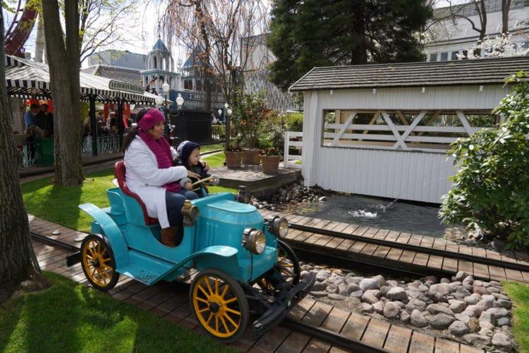 Vintage cars ride at Tivoli