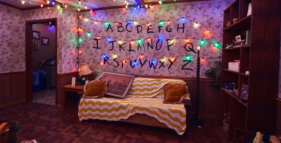 first look at stranger things maze coming to halloween horror nights 2018. Black Bedroom Furniture Sets. Home Design Ideas