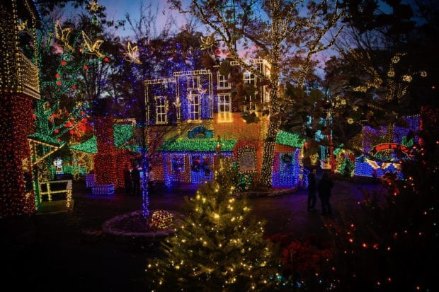 Silver Dollar City Christmas.Silver Dollar City S An Old Time Christmas To Feature 6 5