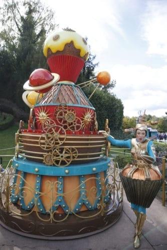 Pleasant Photos Mickeys Giant Birthday Cakes Take Over Disneyland Paris Funny Birthday Cards Online Barepcheapnameinfo