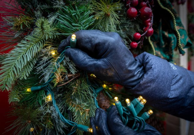 10 Holiday Decorating Tips From Experts At Busch Gardens Williamsburg