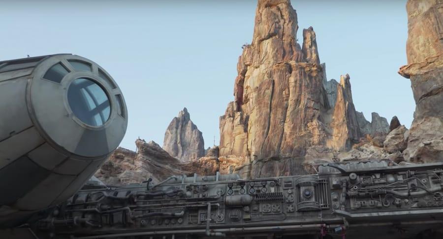 Millennium Falcon detail