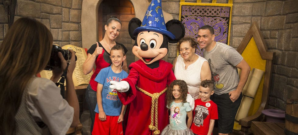 Disney moves to PhotoPass automation at select Walt Disney World character locations