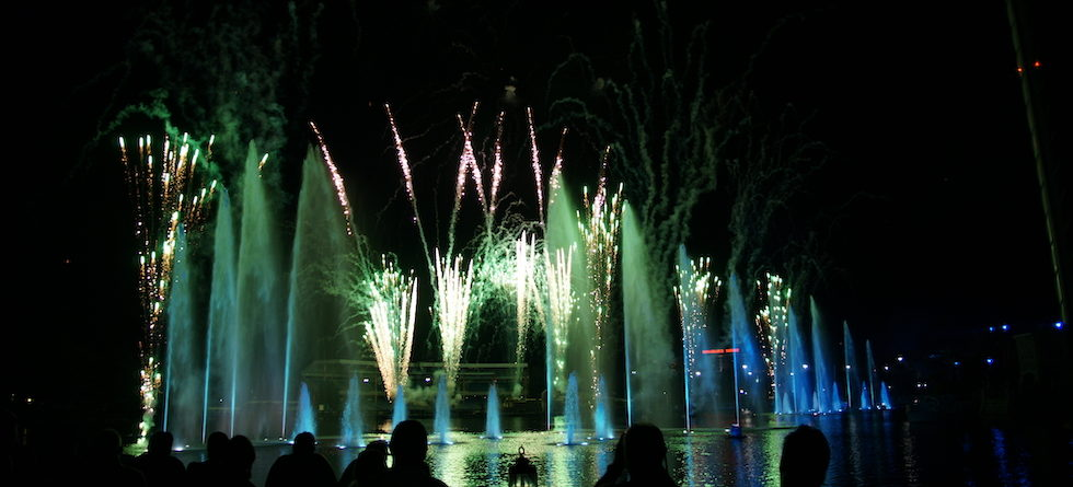 celebrate new years eve 2018 with festivities at seaworld orlando