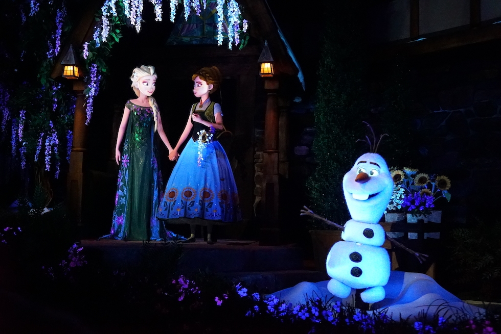 Anna, Elsa and Olaf in Frozen Ever After