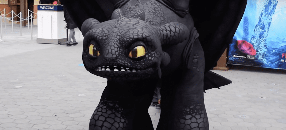 Meet Toothless from 'How to Train Your Drgaon' at Universal Studios Hollywood