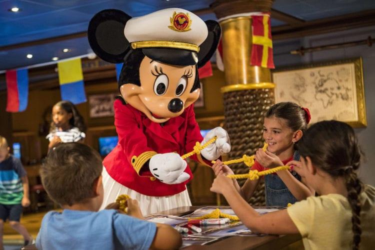 captain minnie mouse DCL