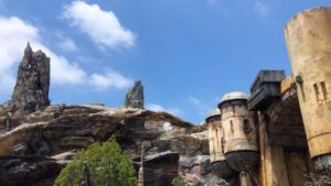 Braving the first day of Star Wars: Galaxy's Edge with no reservations