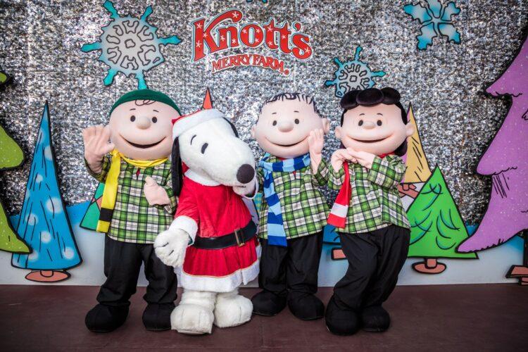 Knott's Merry Farm 2019 Snoopy Peanuts gang