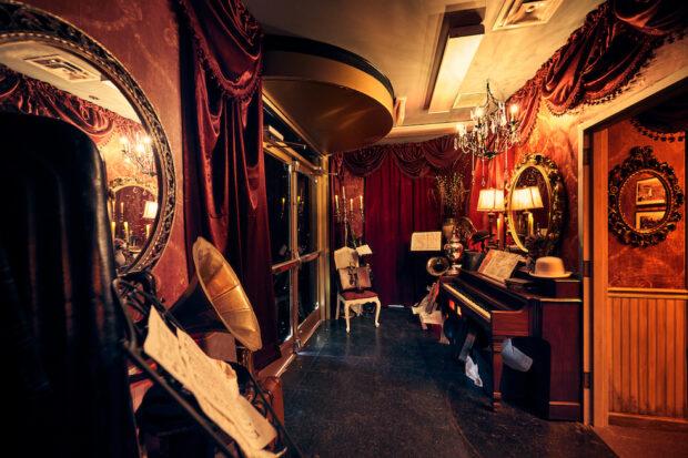 jazz hall room