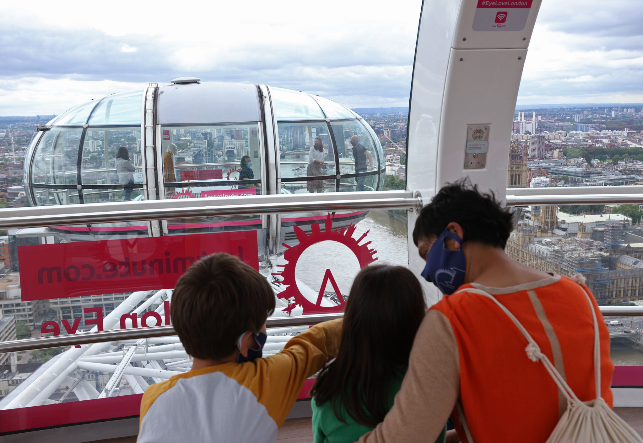 Merlin Entertainments, London Eye