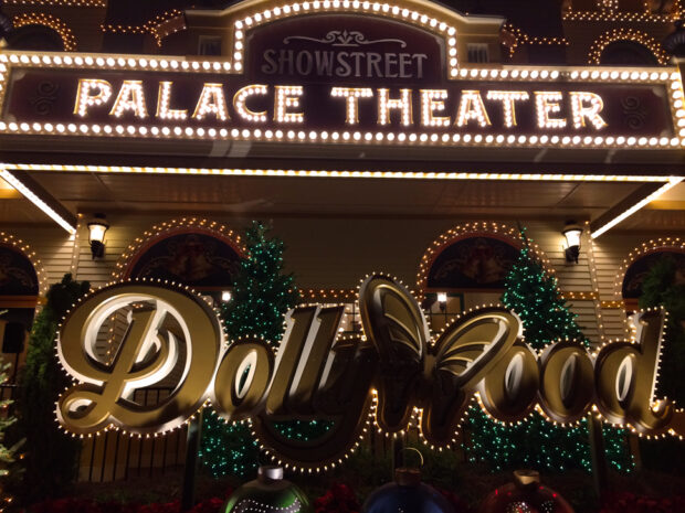 Dollywood's Smoky Mountain Christmas
