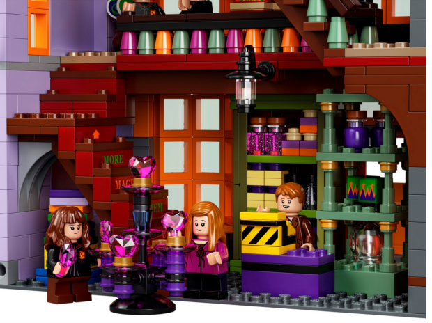 Lego Diagon Alley set, Lego, Diagon Alley, Harry Potter, Ollivanders, Flourish & Blotts, Weasleys' Wizard Wheezes
