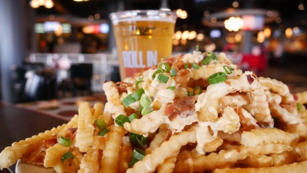 Weekday Dining Offer, Splitsville, loaded fries
