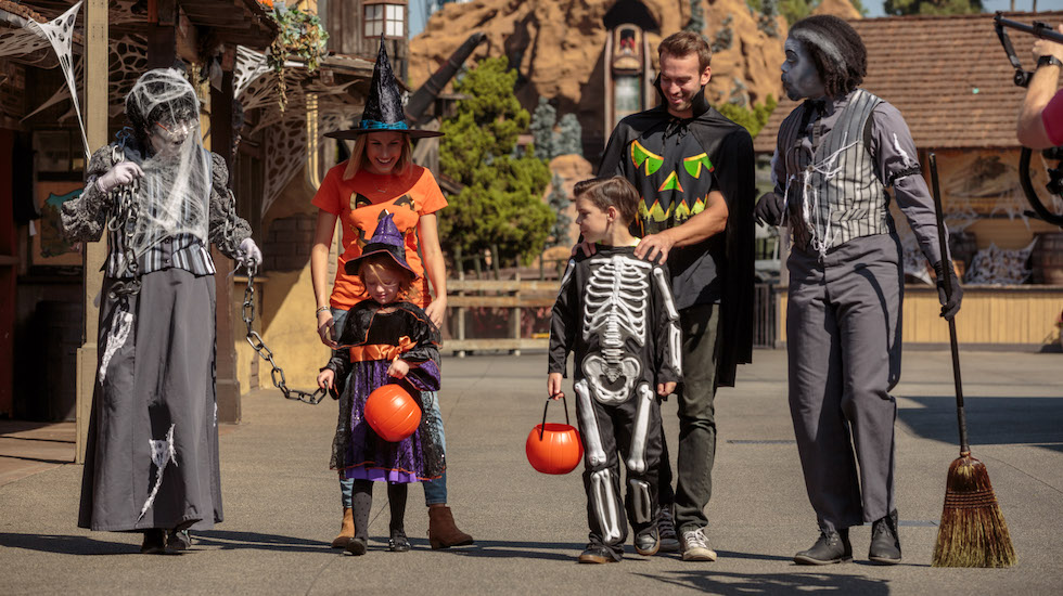 Knott S Berry Farm Announces Taste Of Fall O Ween Event