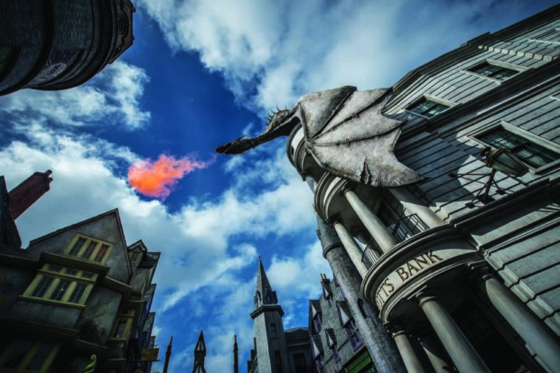 Top 25 theme park attractions in the world, Harry Potter and the Escape From Gringott's, Universal Orlando Resort, Wizarding World of Harry Potter