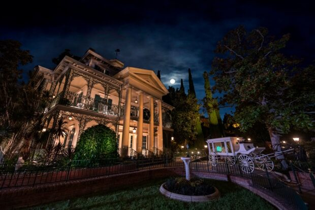 Haunted Mansion, Disneyland Resort