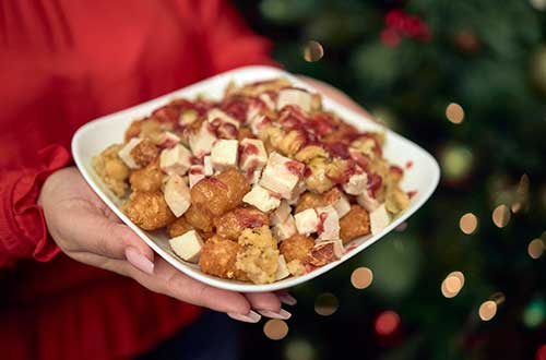 Knott's Berry Farm, Knott's Taste of Merry Farm, Cranberry-pomegrante wings, fully loaded tater tots