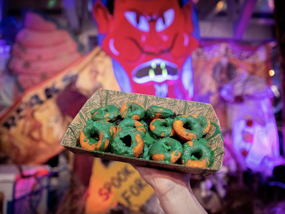 Halloween Horror Nights, Universal Orlando Resort, mini pumpkin donuts