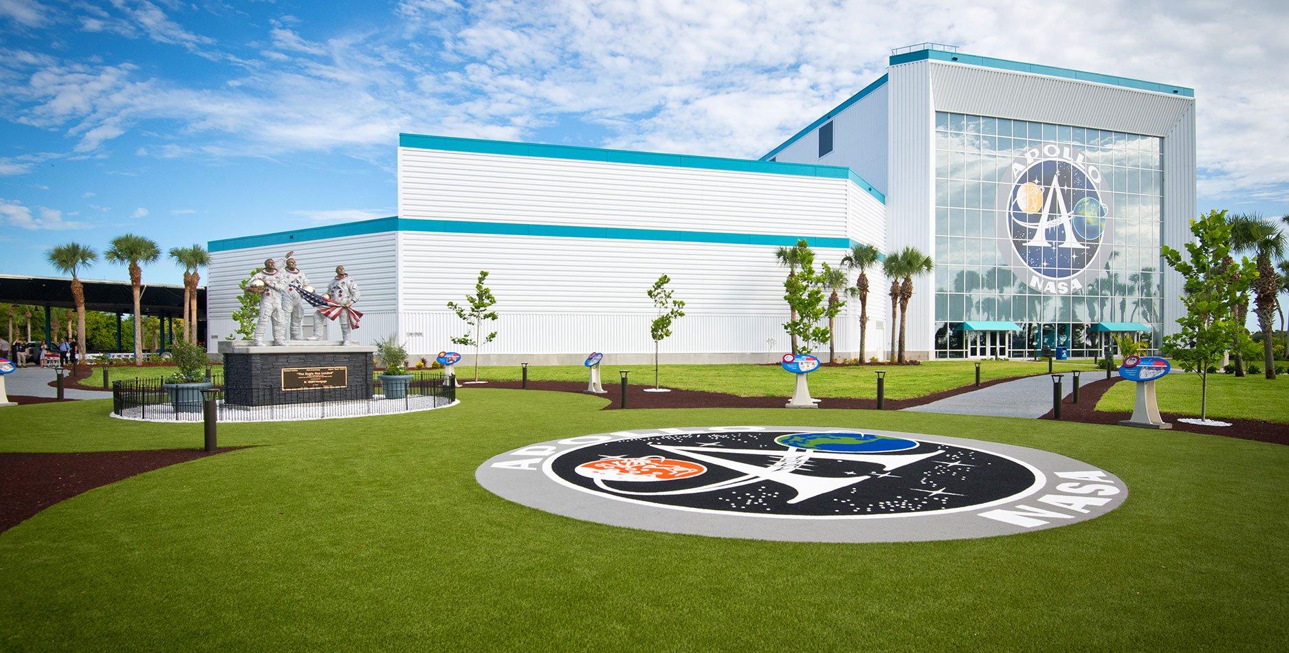 Kennedy Space Center Visitors Complex, Apollo/Saturn V Center
