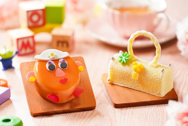 Hong Kong Disneyland Mother's Day desserts