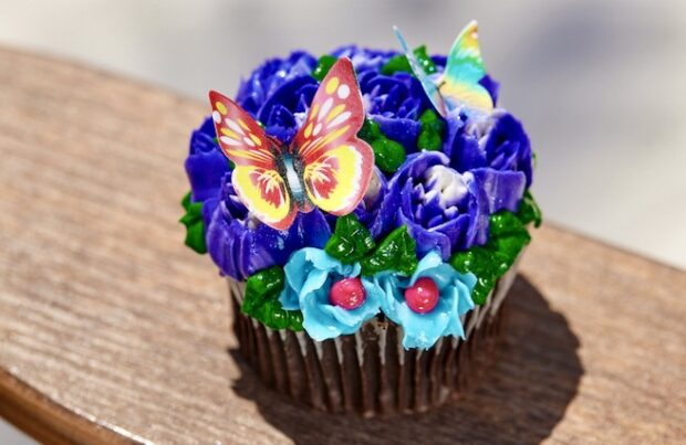 Polynesian Mother's Day Cupcake