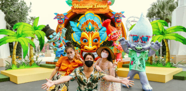Universal Studios Singapore Tropical Thrills Tiki Time with the Stars