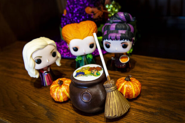 Disney Halfway to Halloween - Cauldron Cocoa Bomb - The Ganachery