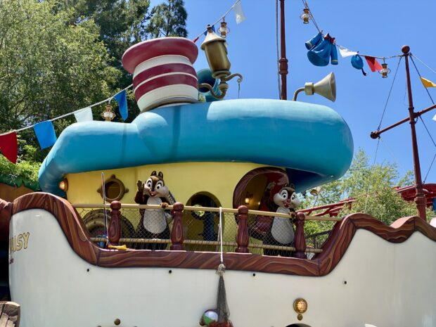 Disneyland - Chip and Dale